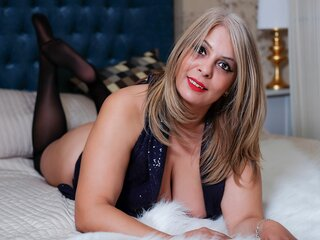 HotBlondQueenX nude